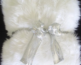 Faux Fur Blanket, Faux fur throw, faux fur throw white shag blanket, ethical faux fur, faux fur decor, faux fur bedspread, fake fur blanket