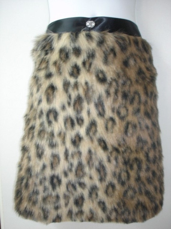 Saari Design Hostess Faux Fur Leopard Apron with rhinestone
