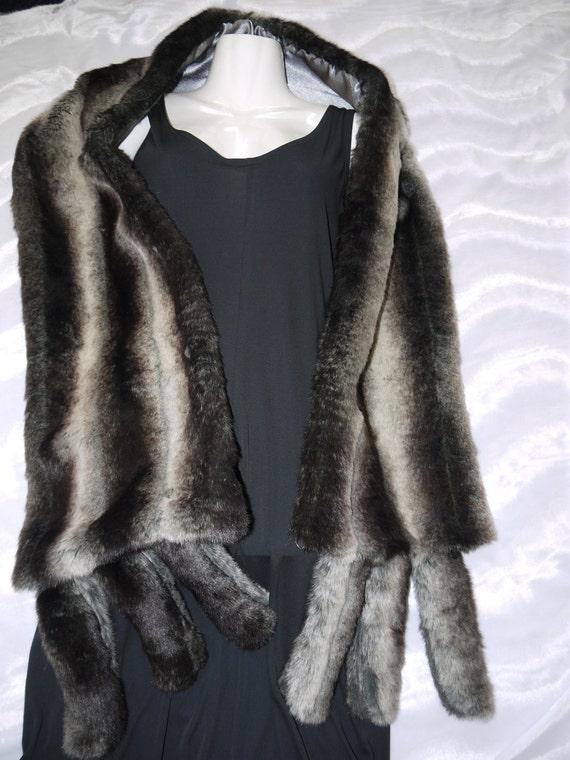 Silver mink faux fur stole, faux fur mink stole, faux fur wrap, bridal fur stole, faux fur stole, faux fur stole bridal,