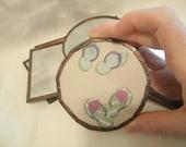 Hand Mirror with Flipflop Pattern