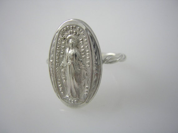 Recycled Vintage Miraculous Medal Sterling Silver Ring Rad