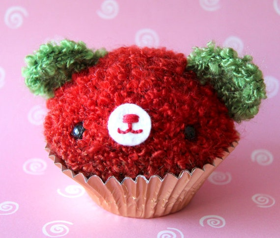 Amigurumi Red and Green Cupcake Bear
