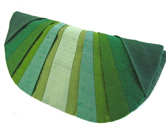 Green Monochromatic Pleated Silk Clutch Purse