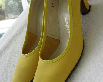 70s Jack Rogers Yellow Mod Shoes Vintage Suede Pumps - Almond Toe High Heels - 6 M