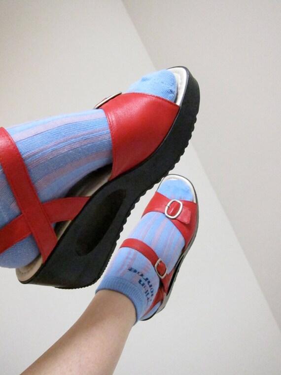 70s Lipstick Red Leather Platform Wedge Sandals Vintage Shoes Bagels by Azaleia Brazil 7.5