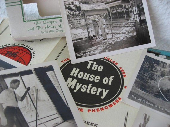 40s Vintage The House of Mystery Oregon Vortex / Mysterious Spooky / 1946 Souvenir Brochure / Select Photographs