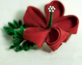 Red Hibiscus Japanese Kanzashi Silk Flower Hairclip, Hawaiian, Tropical, Summer - Gifts for Her