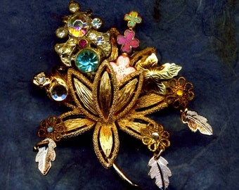 BLOSSOM handcrafted brooch