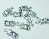 Pewter Bead Queen Charms (9)