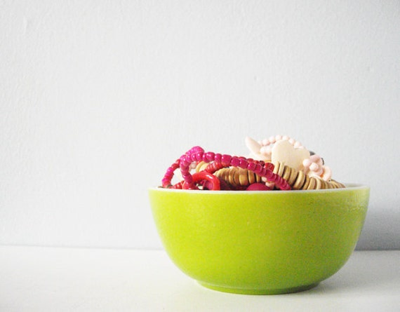 Vintage bowl lime green milkglass - bright colorful dish milk glass for cereal berries ice cream