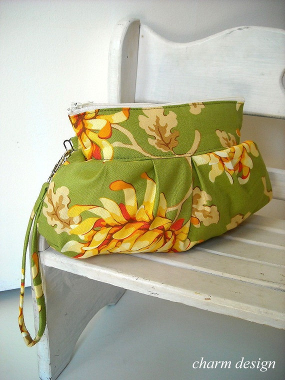SALE - Freshcut Collection in Greens - Zipper Pouch with Clip