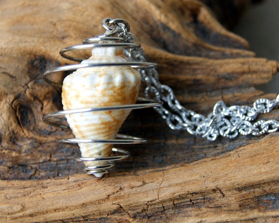 Shell Necklace -  vintage shell in silvertone cage - vintage chain - nautical fashion - Gift under 25