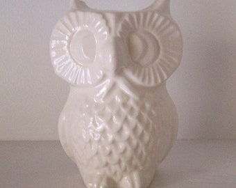 Ceramic Owl Vase, Bud Vase, White Home Office Decor, Vintage Design in White, Gift for Her, Gift for Teachers, Housewarming Gift