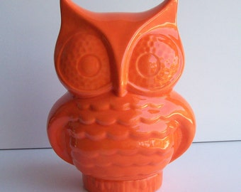 Ceramic Owl Planter, Owl Vase, Vintage Design, Orange Owl, Office Gift, Owl Decoration, Owl Herb Pot, Owl Ornament, Pottery, Owl Gifts, Bird