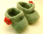 felted mary jane baby shoes - leaf\/poppy flora - size 2, 3-6 months