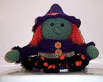 Halloween Crochet Pattern, Witch toilet paper cover