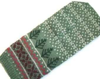 Wintertime for Adriana mitten pattern