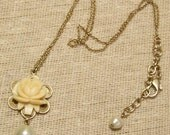 VINTAGE ROSE Ivory Rose and Pearl Necklace