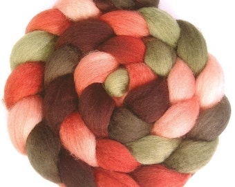 Handpainted BFL Wool Roving - 4 oz. PAPER ROSES - Spinning Fiber