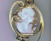 Hand Carved Italian Shell Cameo Pendant Necklace