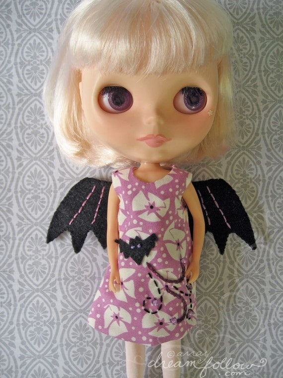 Spooky Girl Batwing Blythe dress