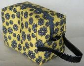 Yellow Brick Road Daisies Piddly Bag