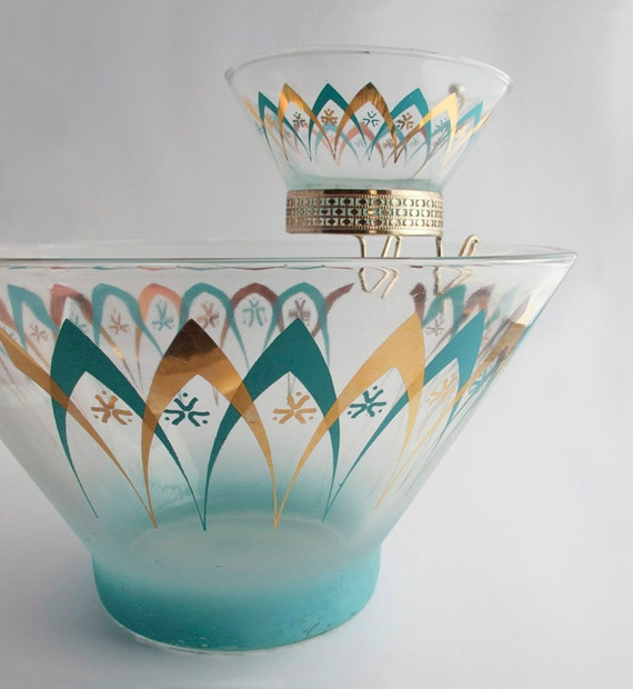 Vintage Atomic Mid-Centuty Chip and Dip Party Bowl in Aqua Blue and Gold