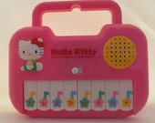 Hello Kitty battery-operated piano