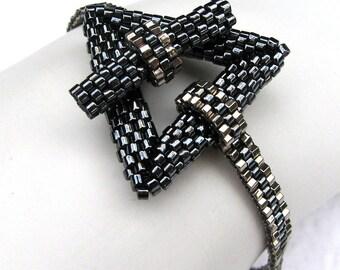 Heavy Metal Simplicity - A Beadwoven Bracelet (2420)