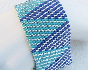 Bright Skies Wide Log Cabin Peyote Cuff / Peyote Bracelet (2452) - A Sand Fibers Made-to-Order Creation