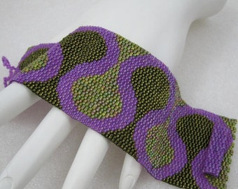 Fall Ruffles in Olive and Magenta Peyote Cuff Bracelet (2537)