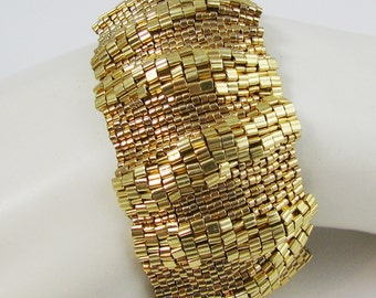 Large Golden Ripples Peyote Cuff (2577)