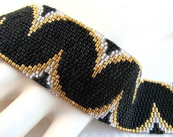 Elegant Undulations Peyote Cuff Bracelet (2334) - A Sand Fibers Made-to-Order Creation