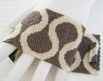 Romantic Ruffles Peyote Cuff Bracelet (2380)