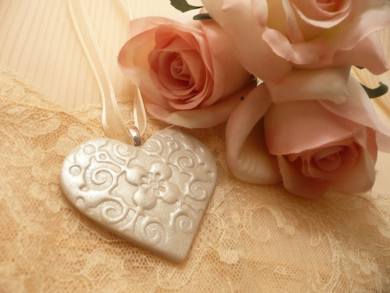 Bride Bridesmaid Bouquet Charm - Ivory Heart - Handmade Wedding Accessories - Keepsake Ornament - Custom Colors Available
