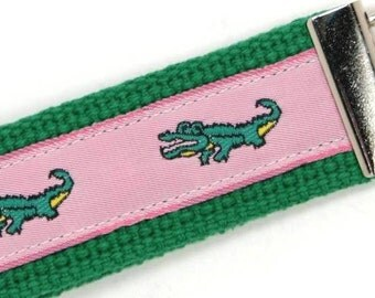 Growling Gator Key Fob in Pink and Green