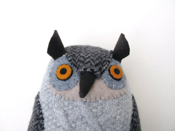 Gray owl with cables