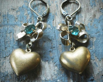 brass hearts and bows. vintage assemblage earrings