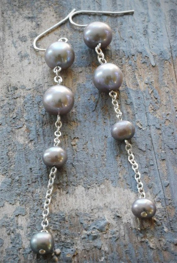 grey pearl diva dangle earrings. gray freshwater pearls on sterling silver chain by val b.
