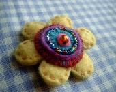 Handmade Felt Flower Beaded Brooch\/Corsage\/Pin\/Vintage