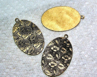Embossed Oval Pendant Oxidized Brass 4 Pieces