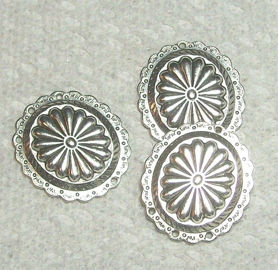 Highly Detailed Oval Earring Finding In Silver 2 Pieces