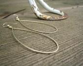 ivy - hammered gold teardrop hoops