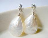 Cream White Shell Dangle Earrings