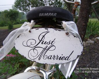 JUST MARRIED SIGN, Vintage Inspired Wedding Signs, Shabby Chic Wedding Decor, Photo Props, Thank you sign