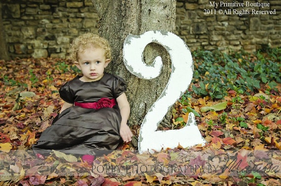 Cut Out WOODEN NUMBER 2, Baby's 2nd Birthday, Shabby Chic Photo Props,  Birthday Party Decoration, Birthday Cards, Party Invitations