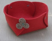 Wool felt bowl - red with brown flower