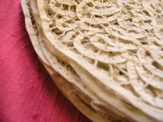 Antique french lace sample in ecru- half moon shape, ideal to upcycle your clothes in style