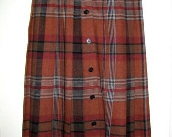 PLAID Pleated SKIRT- Vintage Womens Skirt- Wool Skirt- Brown Skirt- Preppy Skirt- Knee Length Skirt- Small Plaid Skirt- Retro 1970s Clothing
