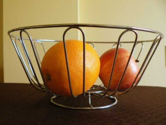 Vintage Silver Metal Wire Fruit Basket